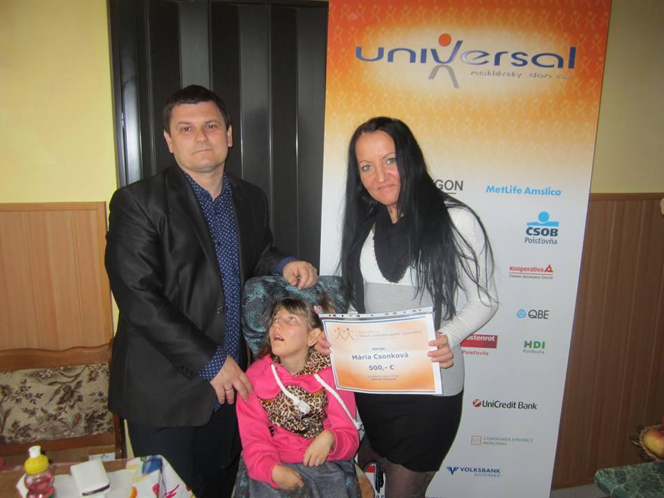 V Komárne sme darovali 500,- € na rehabilitáciu malej Noémi